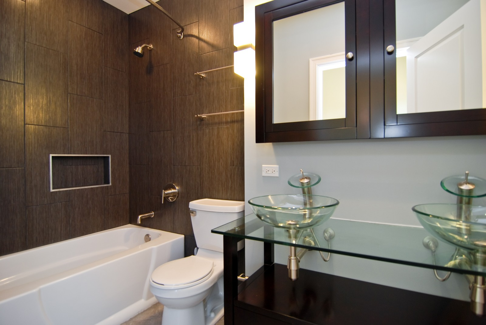 Real Estate Photography - 1744 W Augusta, Chicago, IL, 60622 - Master Bathroom