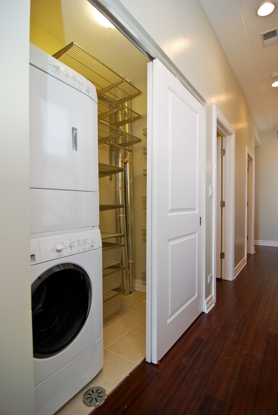 Real Estate Photography - 1744 W Augusta, Chicago, IL, 60622 - Laundry Room