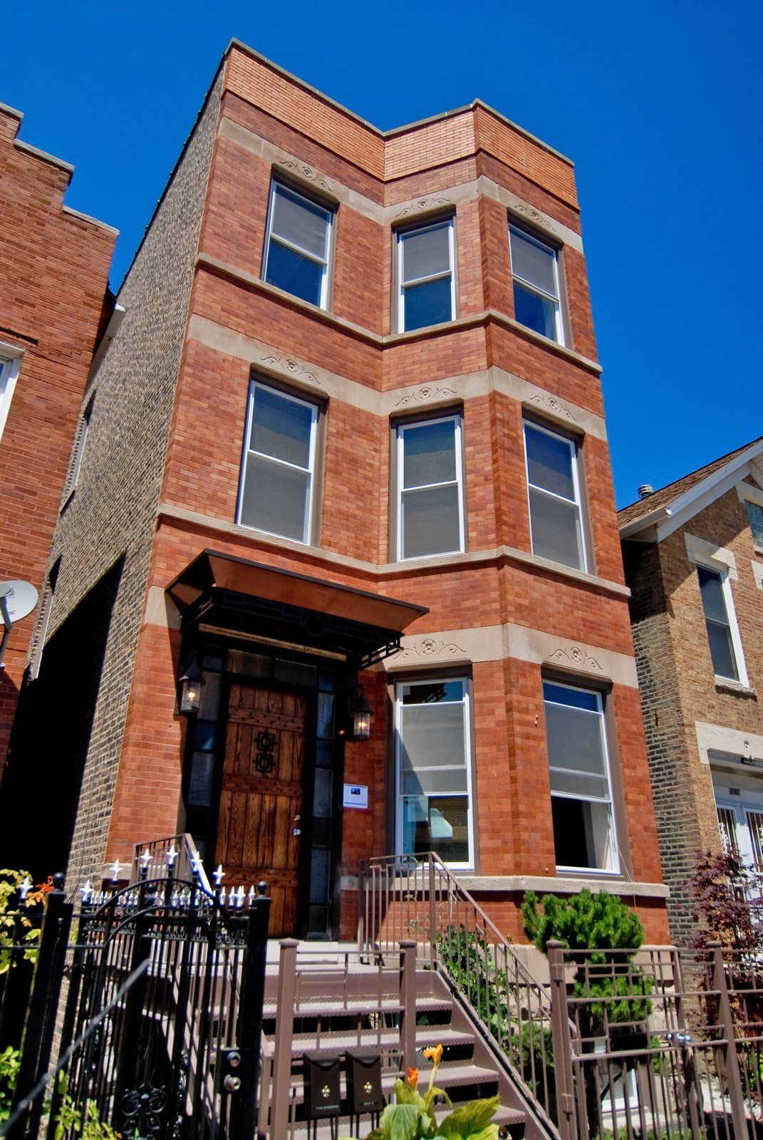Real Estate Photography - 1744 W Augusta, Chicago, IL, 60622 - Front View