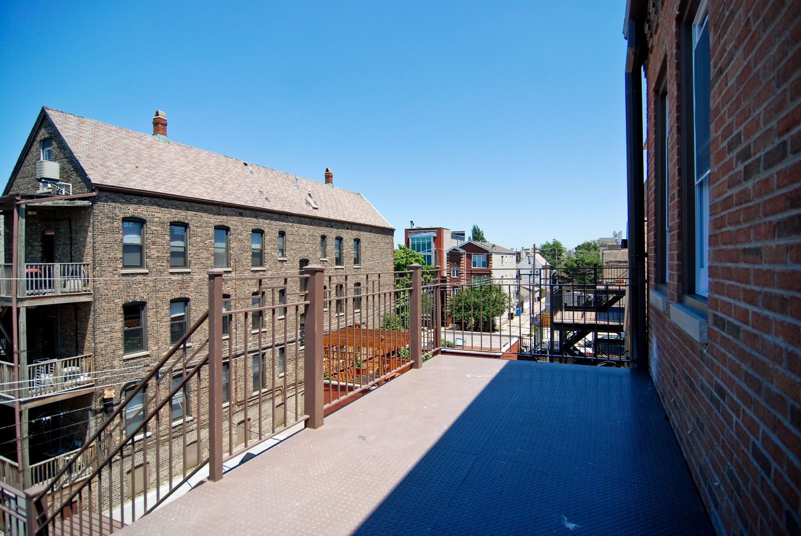 Real Estate Photography - 1744 W Augusta, Chicago, IL, 60622 - Deck