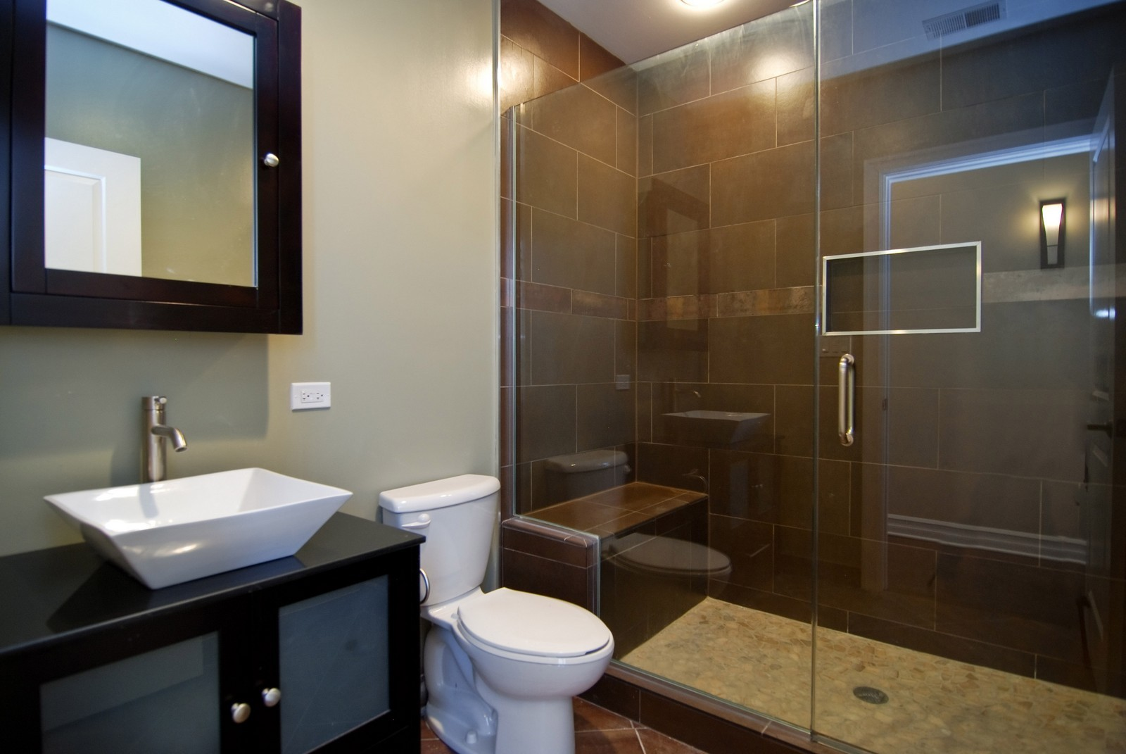 Real Estate Photography - 1744 W Augusta, Chicago, IL, 60622 - Bathroom