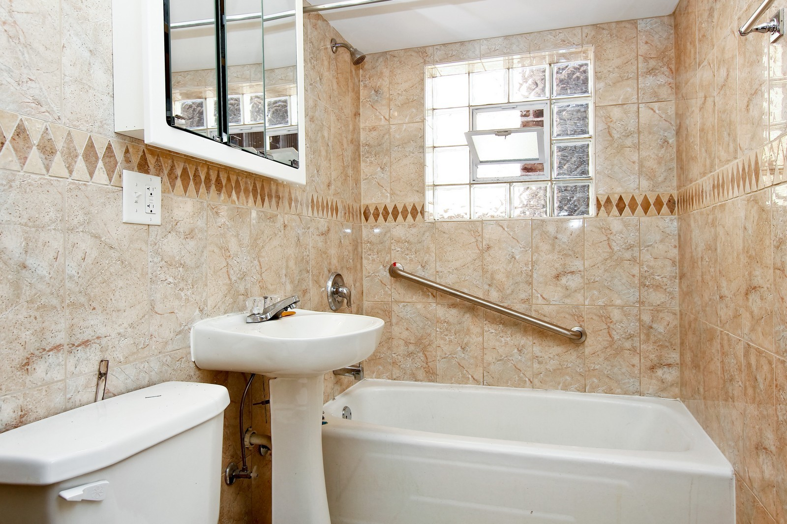 Real Estate Photography - 840 N Drake, Chicago, IL, 60624 - Bathroom
