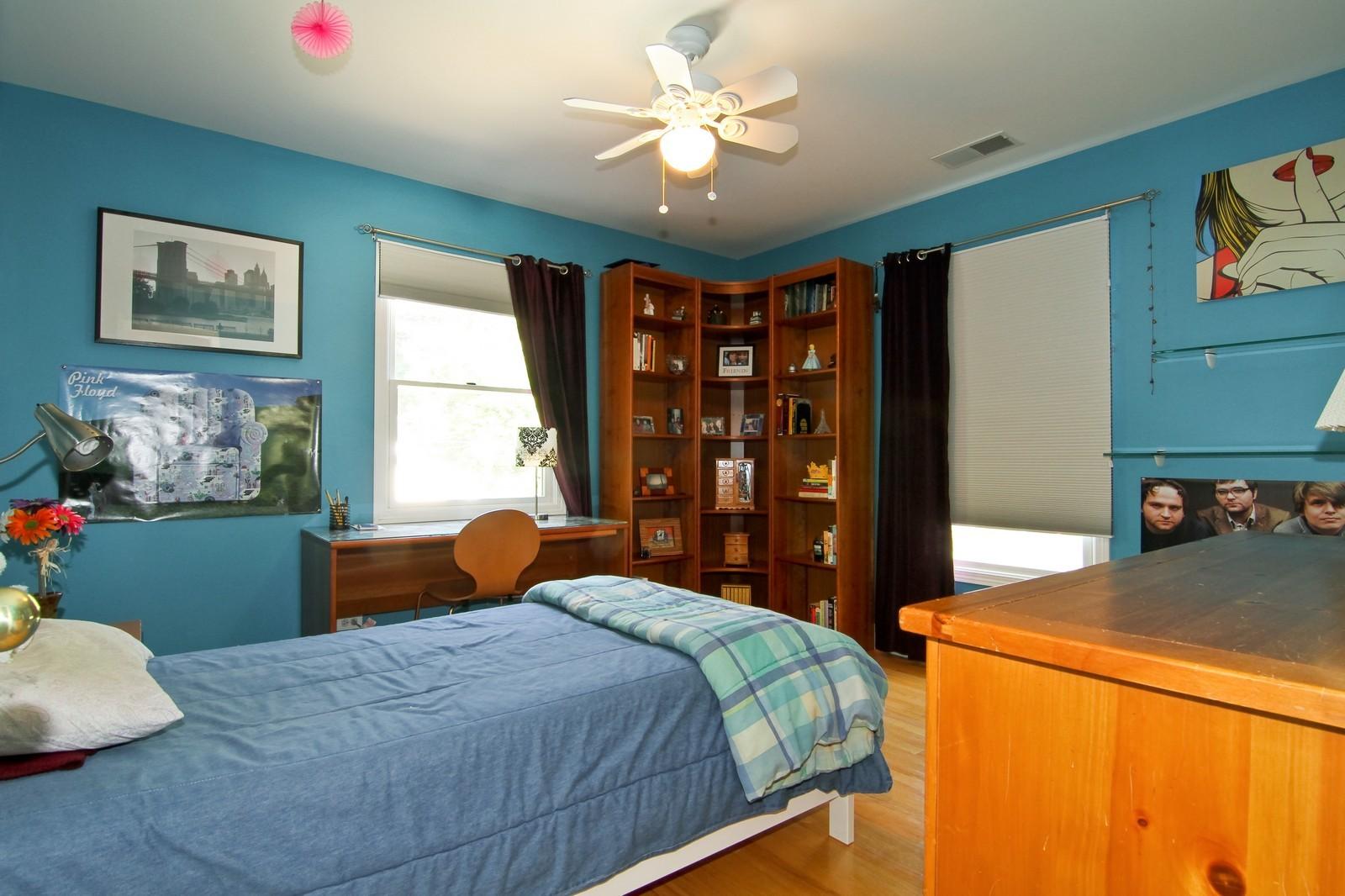 Real Estate Photography - 441 Edgewood Dr, La Grange, IL, 60525 - 2nd Bedroom