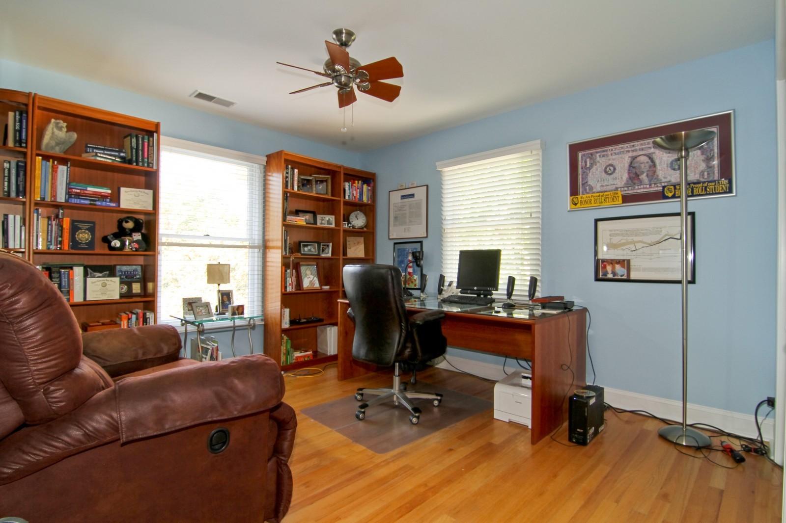 Real Estate Photography - 441 Edgewood Dr, La Grange, IL, 60525 - 3rd Bedroom
