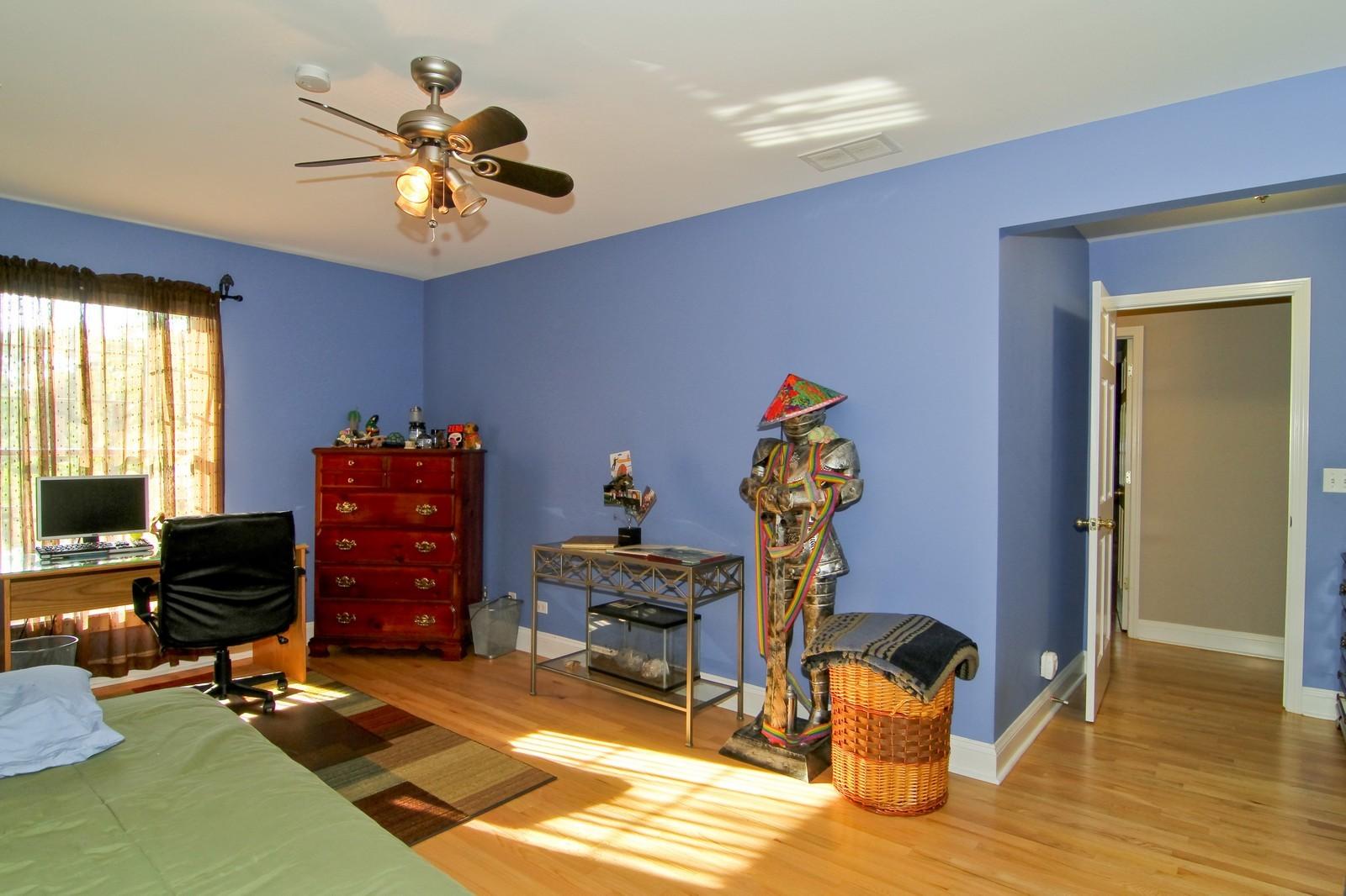 Real Estate Photography - 441 Edgewood Dr, La Grange, IL, 60525 - 4th Bedroom