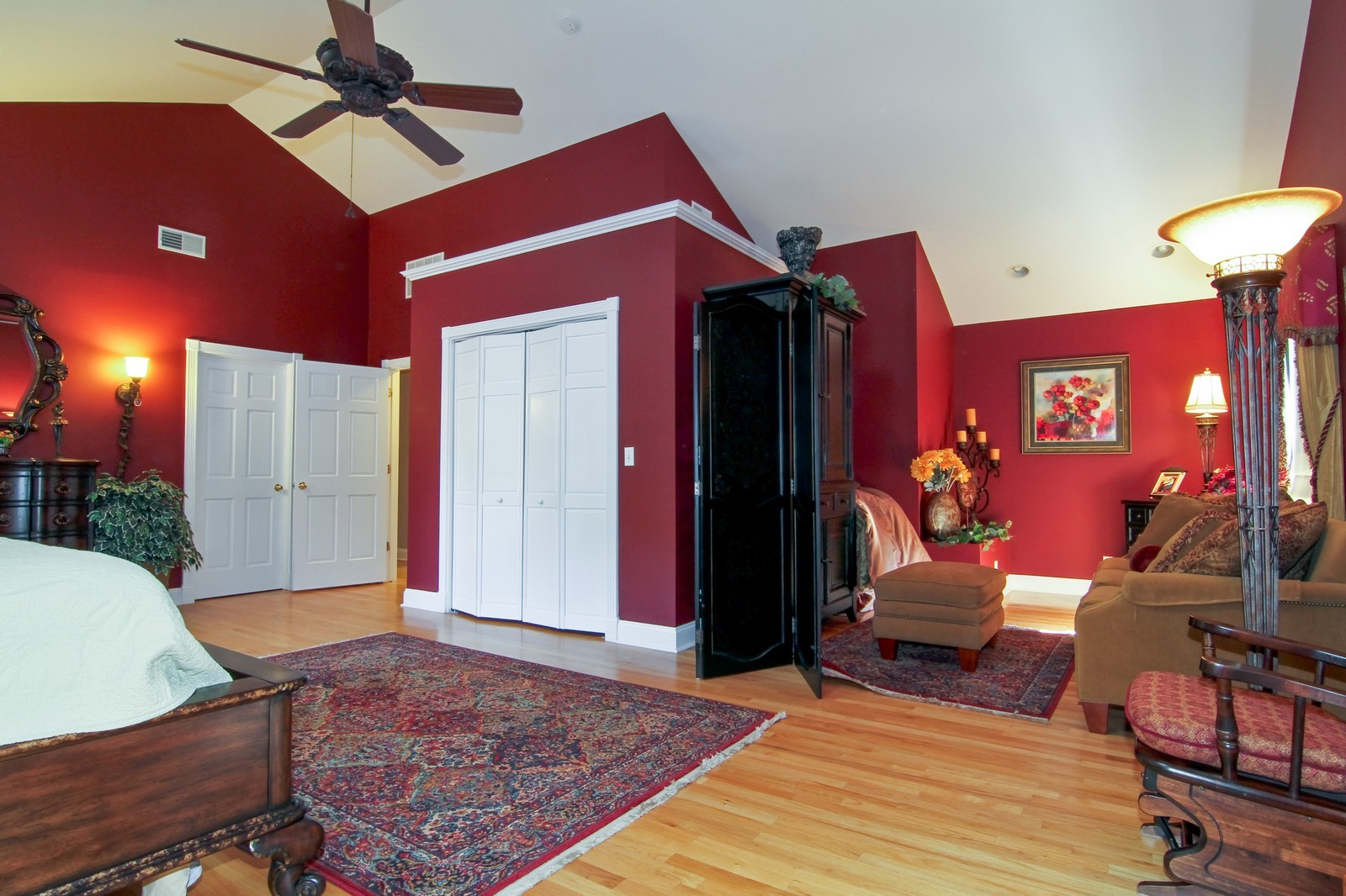 Real Estate Photography - 441 Edgewood Dr, La Grange, IL, 60525 - Master Bedroom