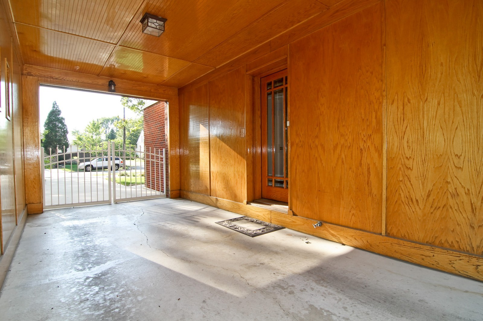 Real Estate Photography - 441 Edgewood Dr, La Grange, IL, 60525 - Side View