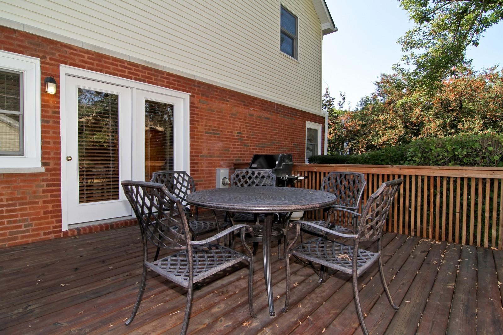 Real Estate Photography - 441 Edgewood Dr, La Grange, IL, 60525 - Patio