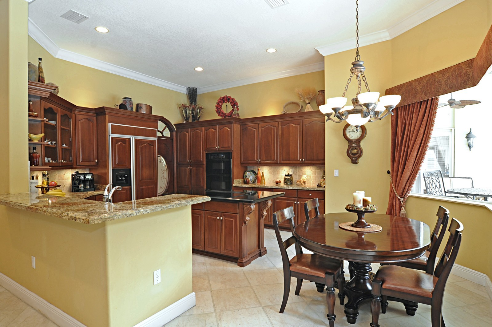 Real Estate Photography - 9564 SW 123rd, Miami, FL, 33176 - Kitchen / Breakfast Room