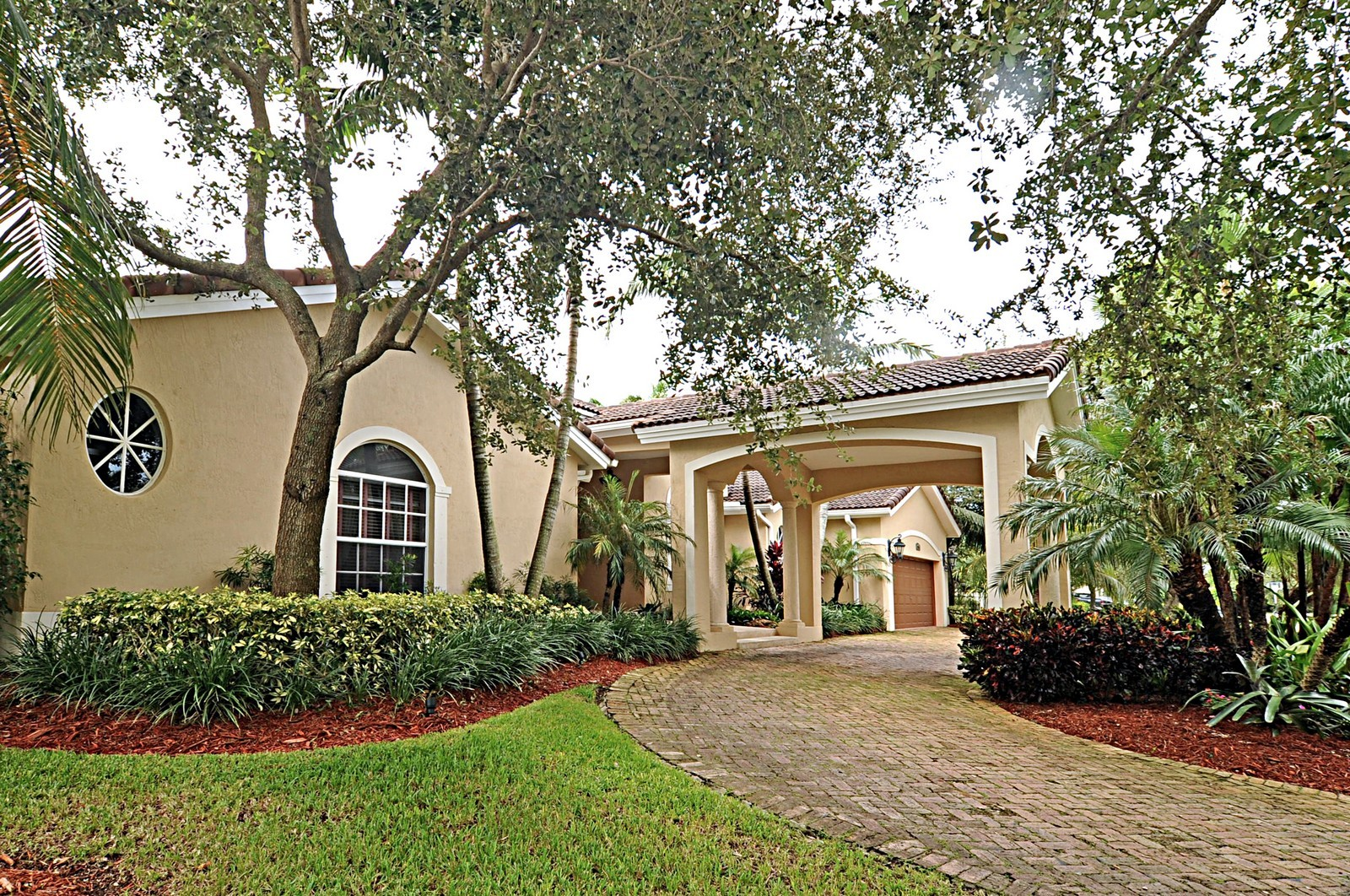 Real Estate Photography - 9564 SW 123rd, Miami, FL, 33176 - Driveway