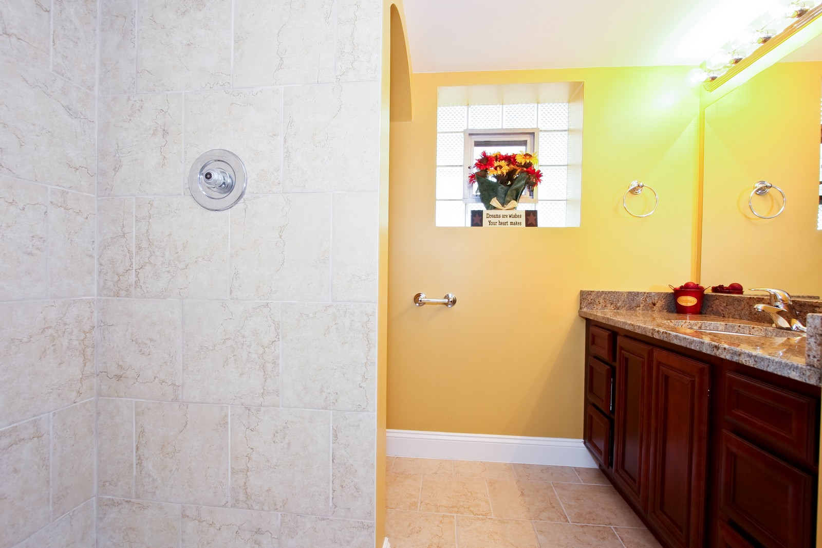 Real Estate Photography - 2728 W 91st St, Evergreen Park, IL, 60805 - 2nd Bathroom