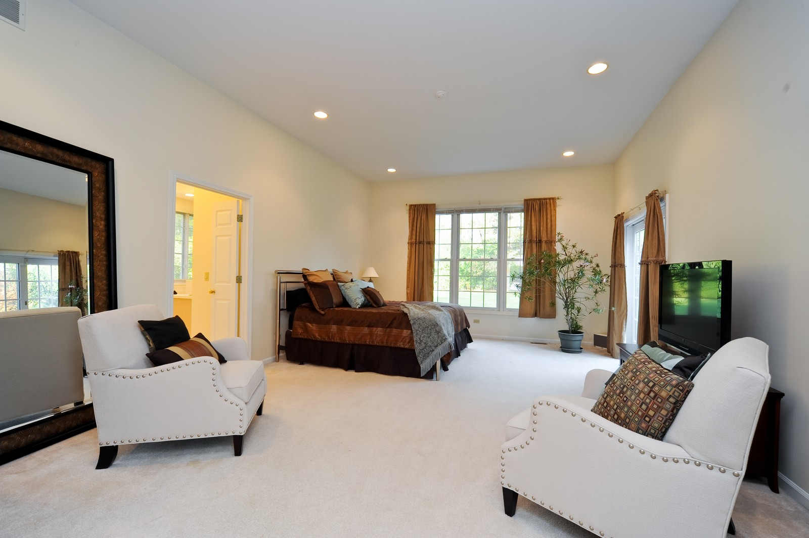 Real Estate Photography - 22575 N Riverwoods Rd, Lincolnshire, IL, 60069 - Master Bedroom