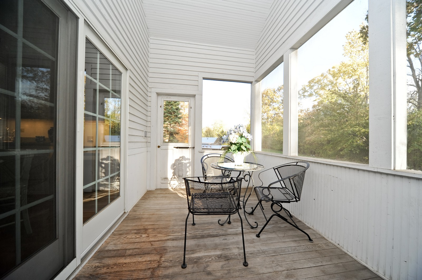 Real Estate Photography - 22575 N Riverwoods Rd, Lincolnshire, IL, 60069 - Porch