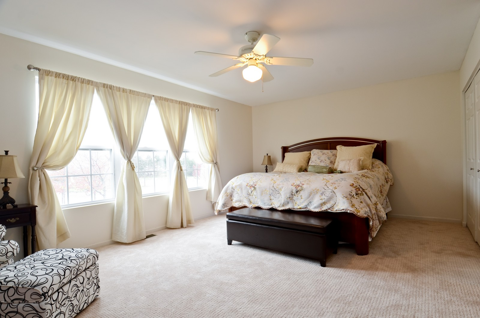 Real Estate Photography - 2822 Collins, Naperville, IL, 60540 - Master Bedroom