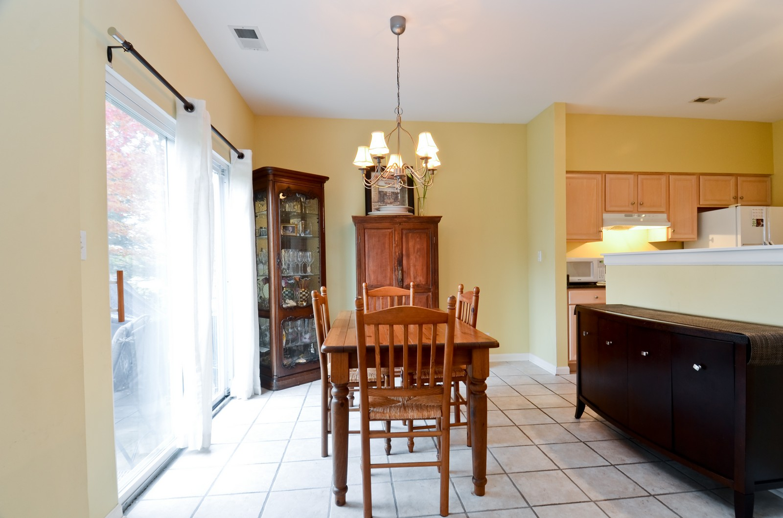 Real Estate Photography - 2822 Collins, Naperville, IL, 60540 - Dining Room