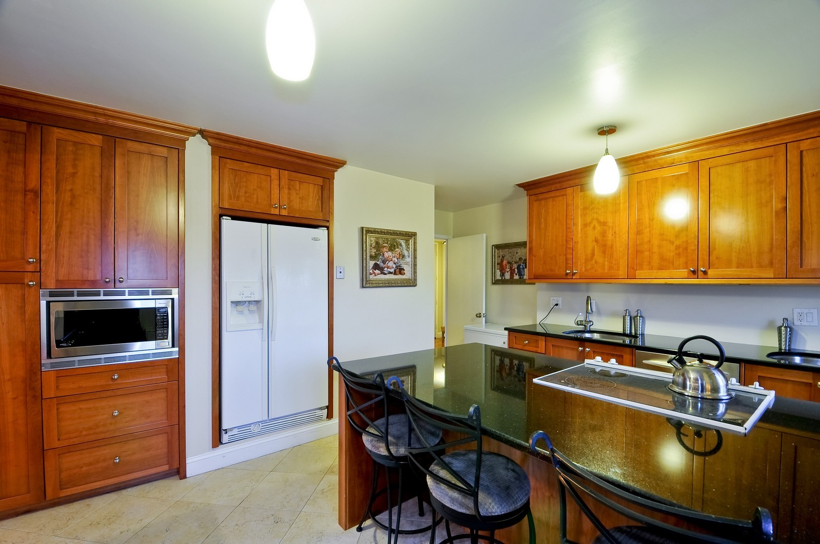 Real Estate Photography - 7033 N Kedzie Ave, Unit 701, Chicago, IL, 60645 - Location 1