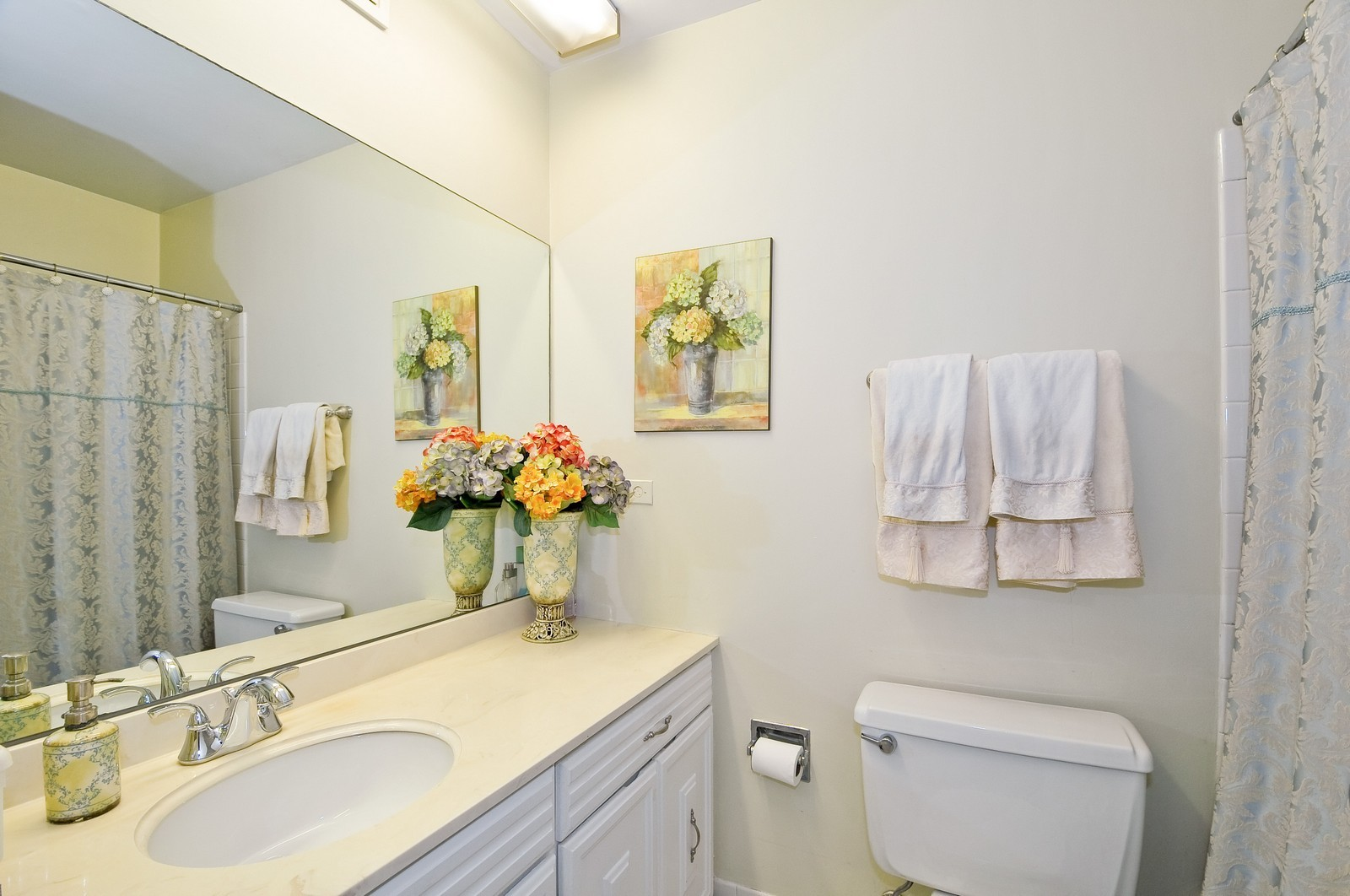 Real Estate Photography - 7033 N Kedzie Ave, Unit 701, Chicago, IL, 60645 - Master Bathroom