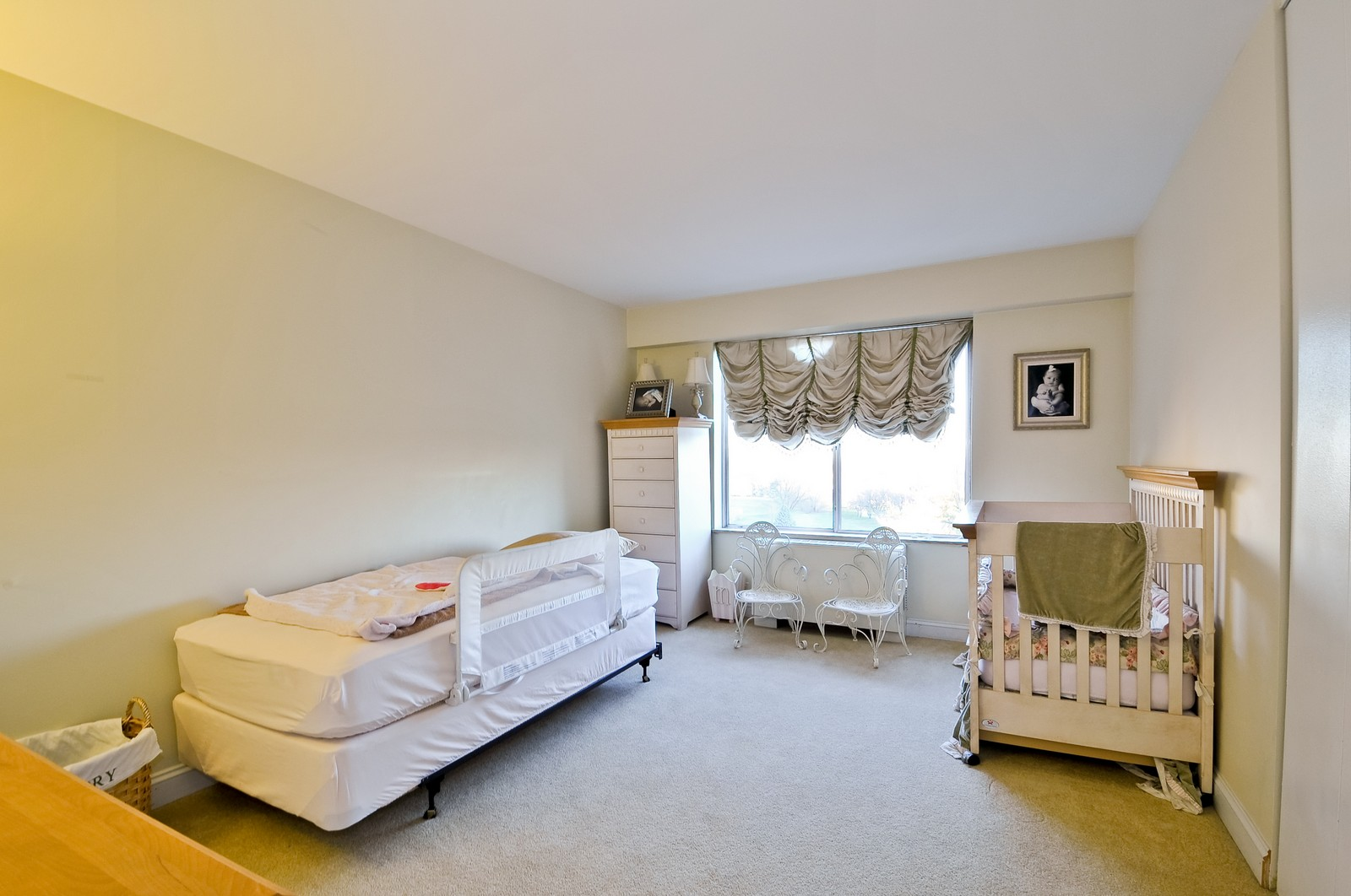 Real Estate Photography - 7033 N Kedzie Ave, Unit 701, Chicago, IL, 60645 - 2nd Bedroom