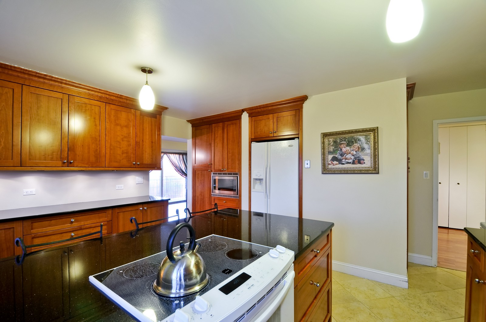 Real Estate Photography - 7033 N Kedzie Ave, Unit 701, Chicago, IL, 60645 - Kitchen