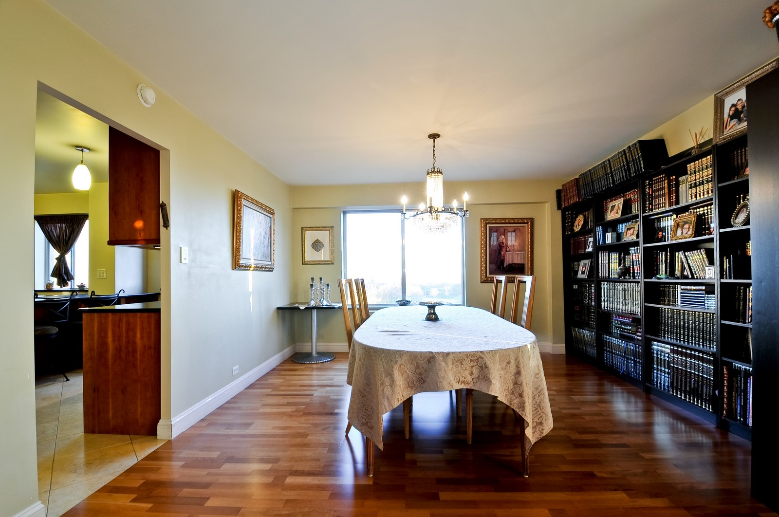 Real Estate Photography - 7033 N Kedzie Ave, Unit 701, Chicago, IL, 60645 - Dining Room