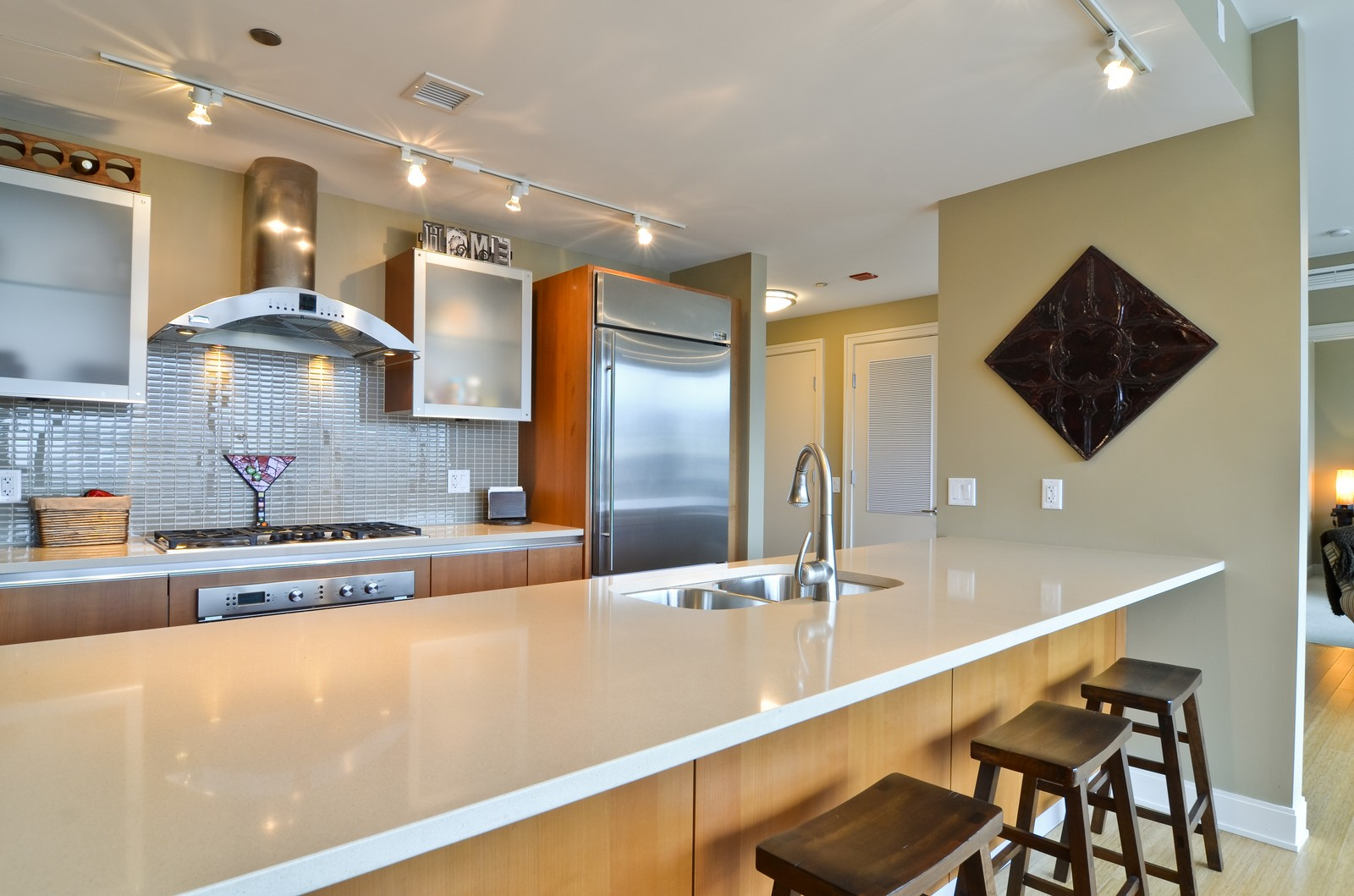 Real Estate Photography - 340 East Randolph, Unit 205, Chicago, IL, 60601 - Kitchen
