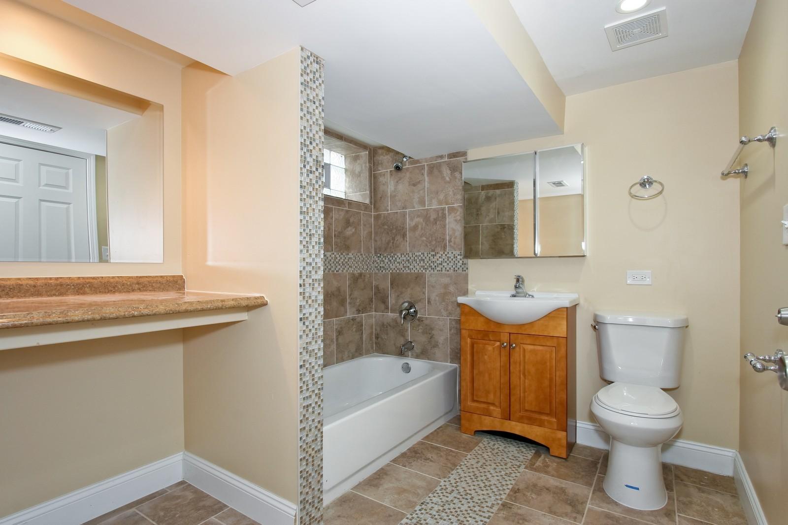 Real Estate Photography - 1025 E 156th St, Dolton, IL, 60419 - Master Bathroom
