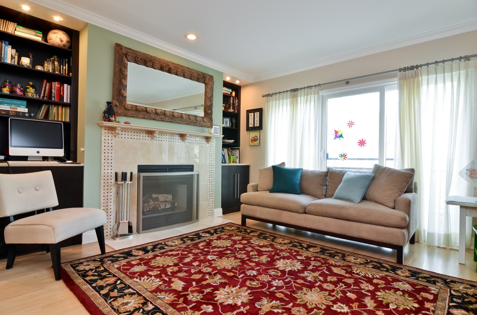 Real Estate Photography - 1347 S Clark, Chicago, IL, 60605 - Living Room