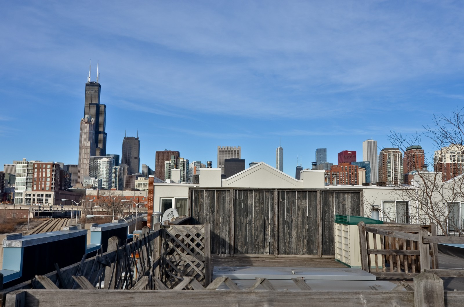 Real Estate Photography - 1347 S Clark, Chicago, IL, 60605 - Roof