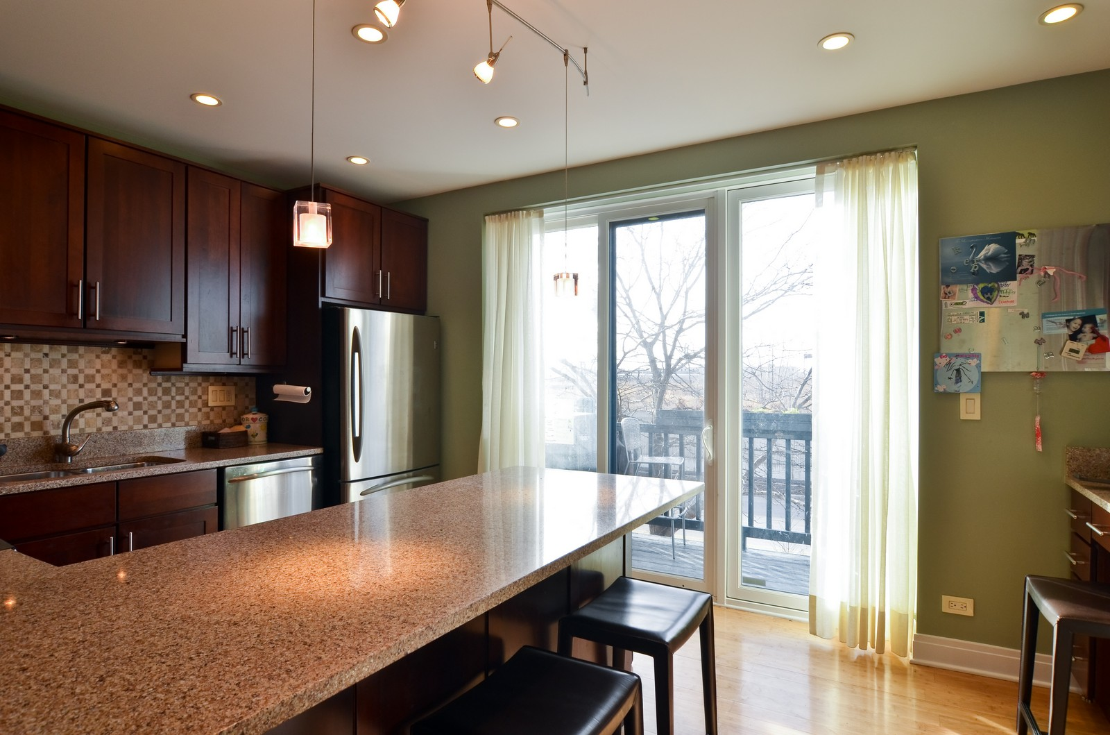 Real Estate Photography - 1347 S Clark, Chicago, IL, 60605 - Kitchen
