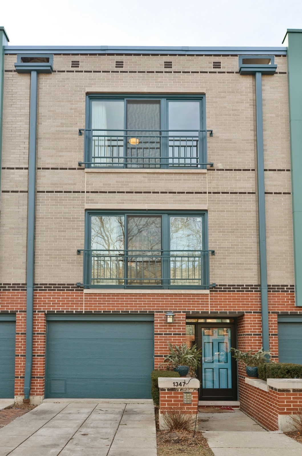 Real Estate Photography - 1347 S Clark, Chicago, IL, 60605 - Front View