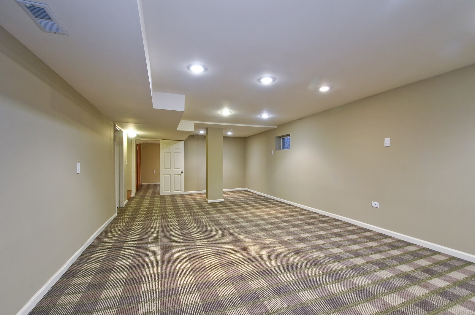 Real Estate Photography - 2741 Chase, Chicago, IL, 60645 - Basement