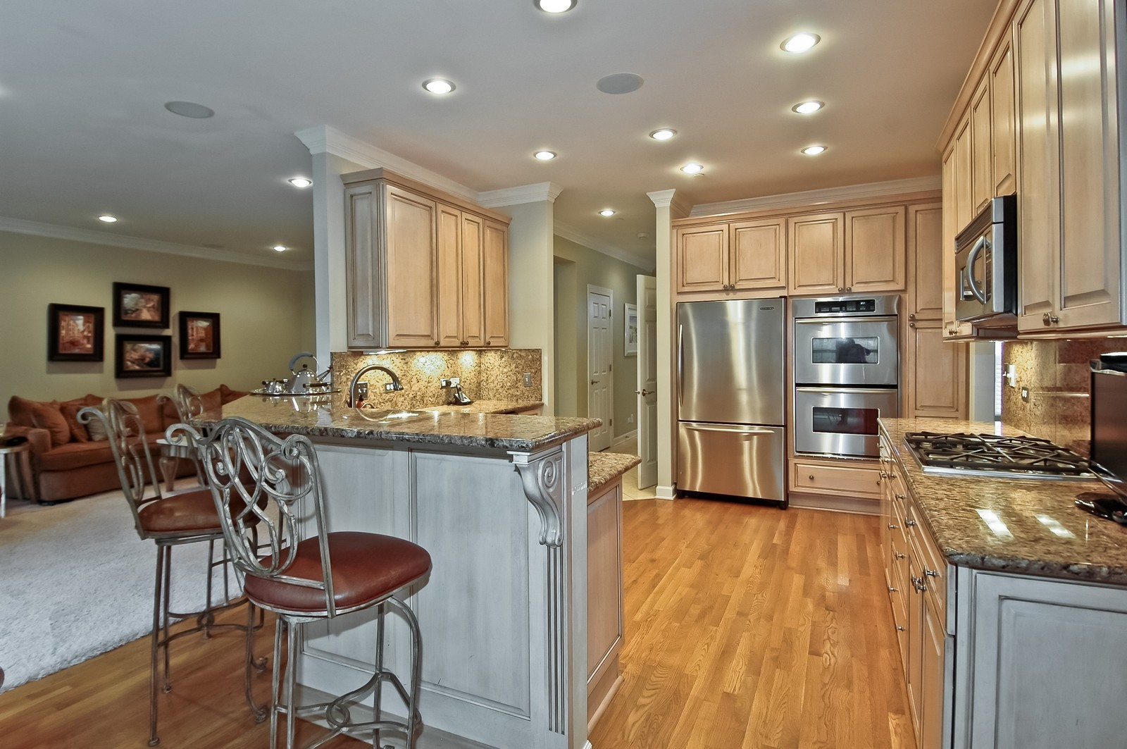 Real Estate Photography - 608 Stone Canyon Circle, Inverness, IL, 60010 - Kitchen