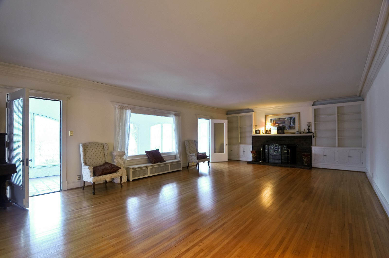 Real Estate Photography - 2226 W Pratt, Chicago, IL, 60645 - Living Room
