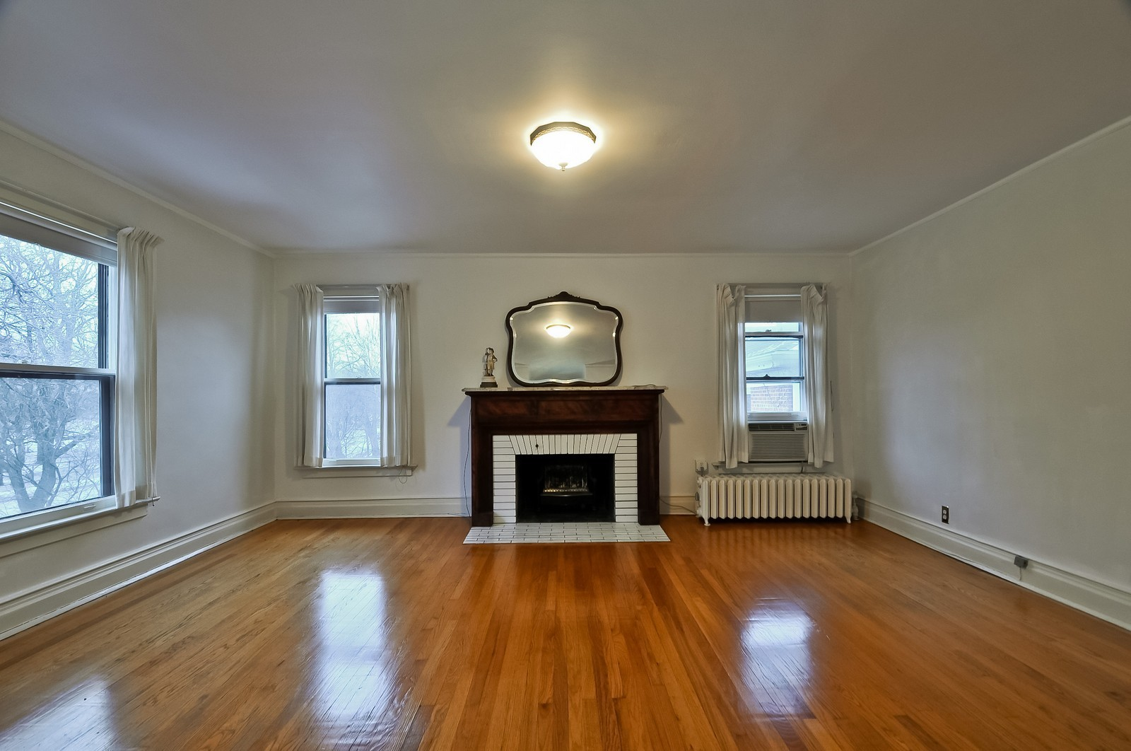 Real Estate Photography - 2226 W Pratt, Chicago, IL, 60645 - 2nd Bedroom