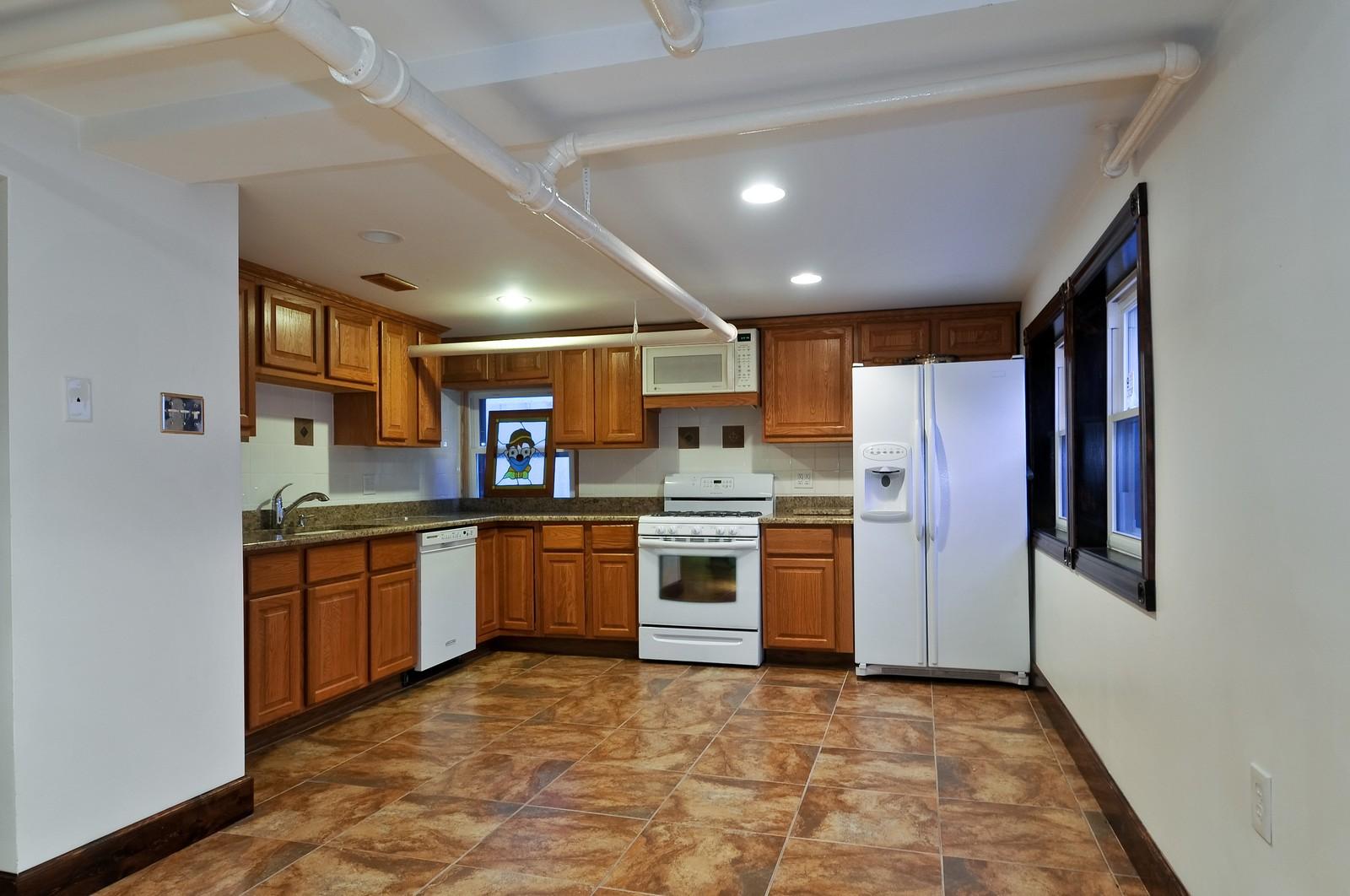 Real Estate Photography - 2226 W Pratt, Chicago, IL, 60645 - Kitchen