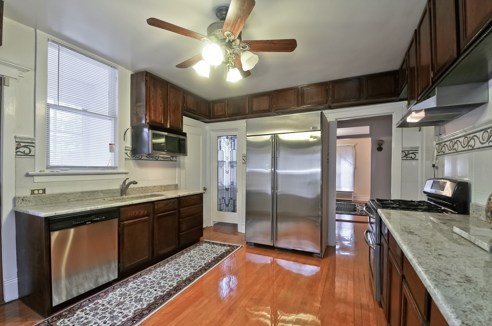 Real Estate Photography - 2226 W Pratt, Chicago, IL, 60645 - Kitchen