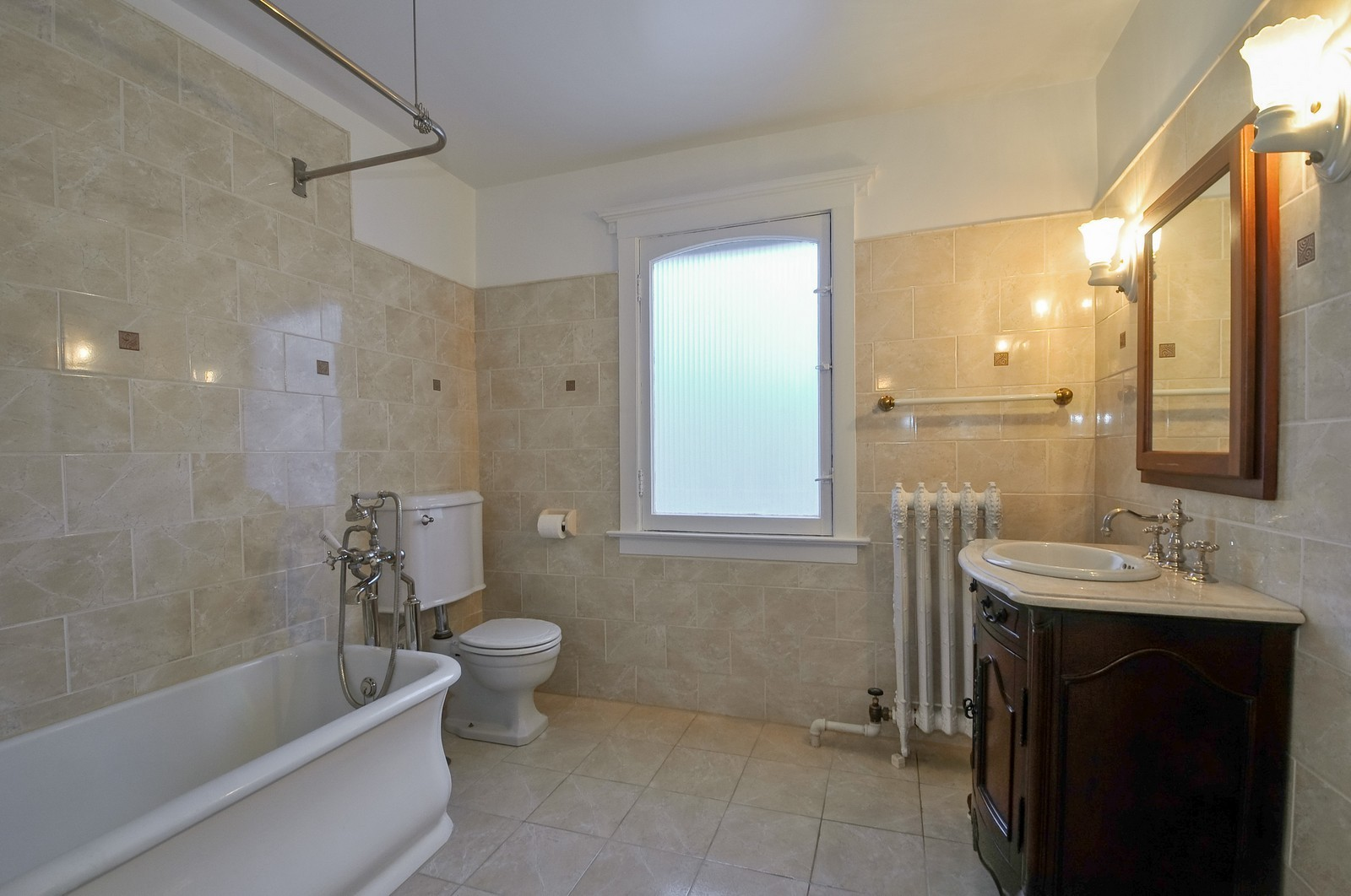 Real Estate Photography - 2226 W Pratt, Chicago, IL, 60645 - Bathroom