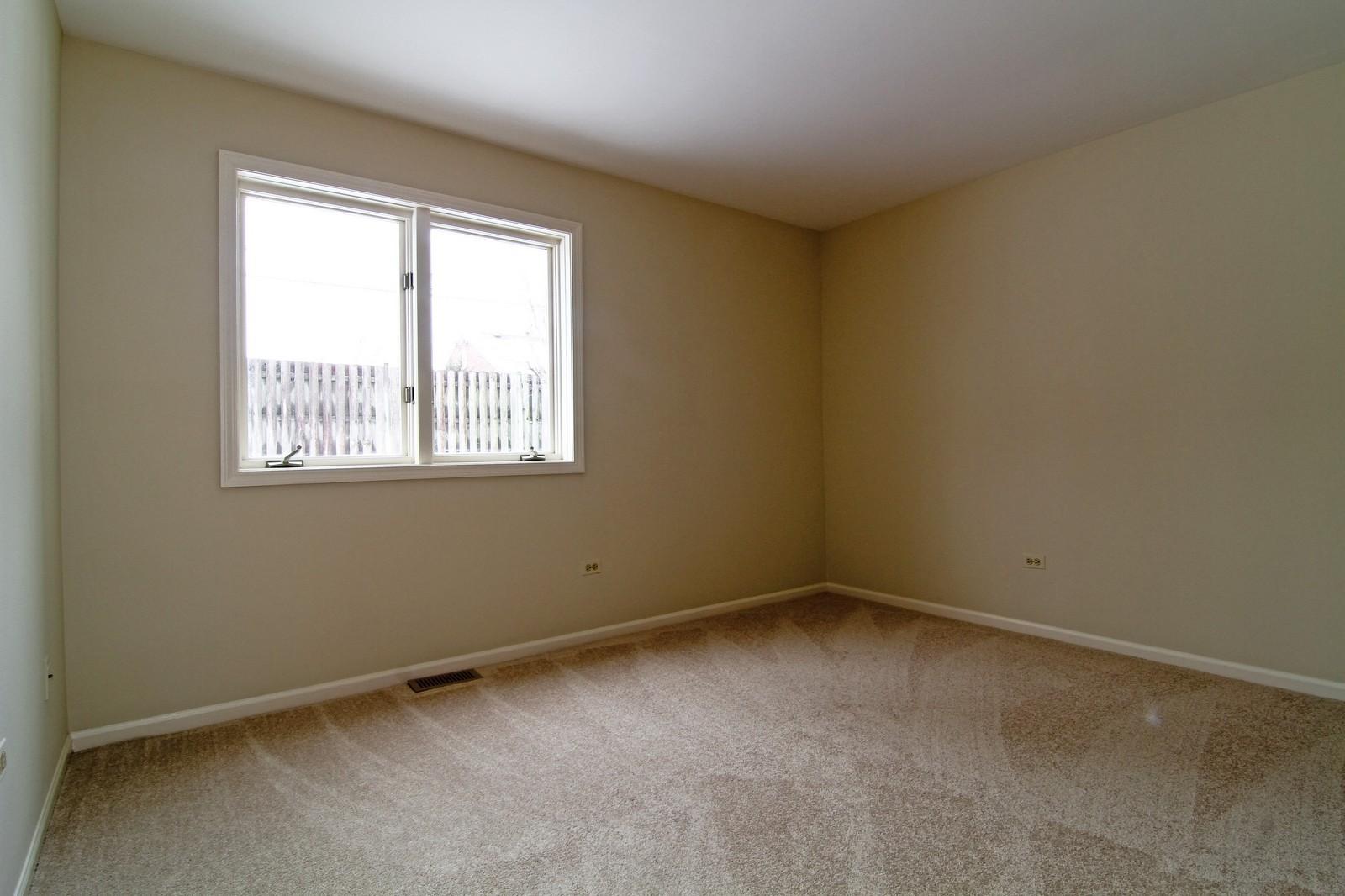 Real Estate Photography - 524 Banyon, Unit A, La Grange, IL, 60525 - Bedroom