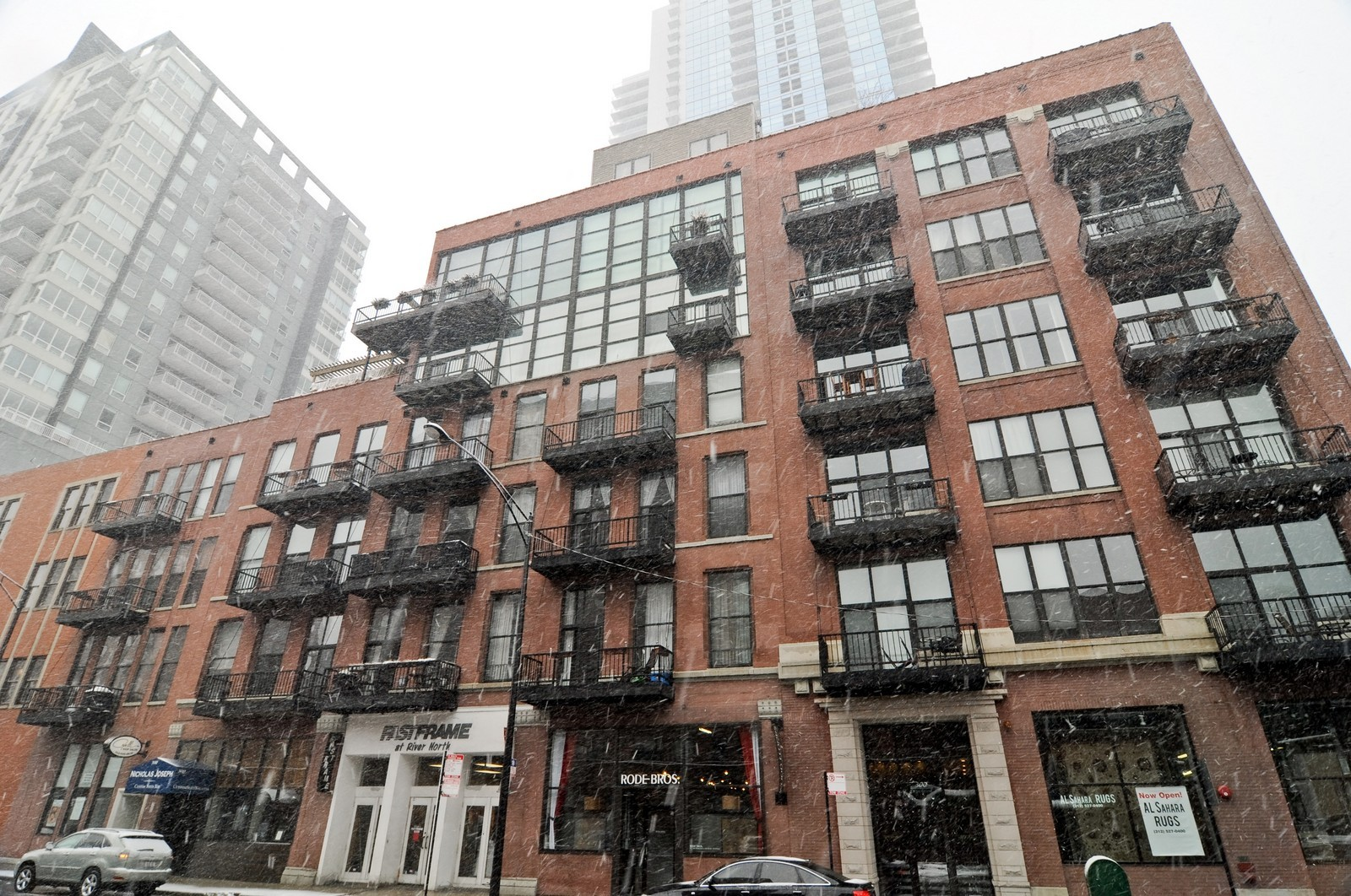 Real Estate Photography 300 West Grand Ave 312 Chicago Il