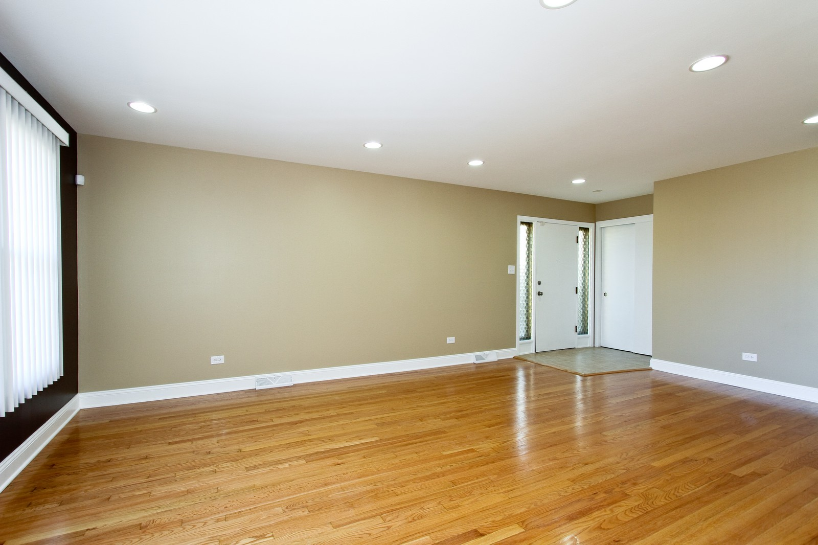 Real Estate Photography - 15435 Sunset, Dolton, IL, 60419 - Living Room