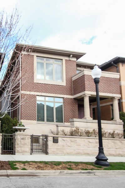 Real Estate Photography - 1407 S Emerald, Chicago, IL, 60607 - Front View