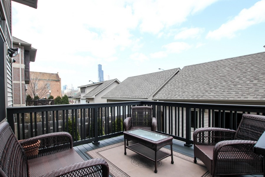 Real Estate Photography - 1407 S Emerald, Chicago, IL, 60607 - Deck
