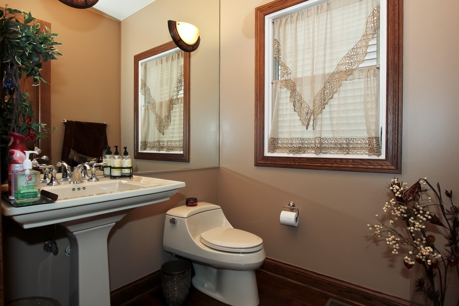 Real Estate Photography - 1407 S Emerald, Chicago, IL, 60607 - 2nd Bathroom