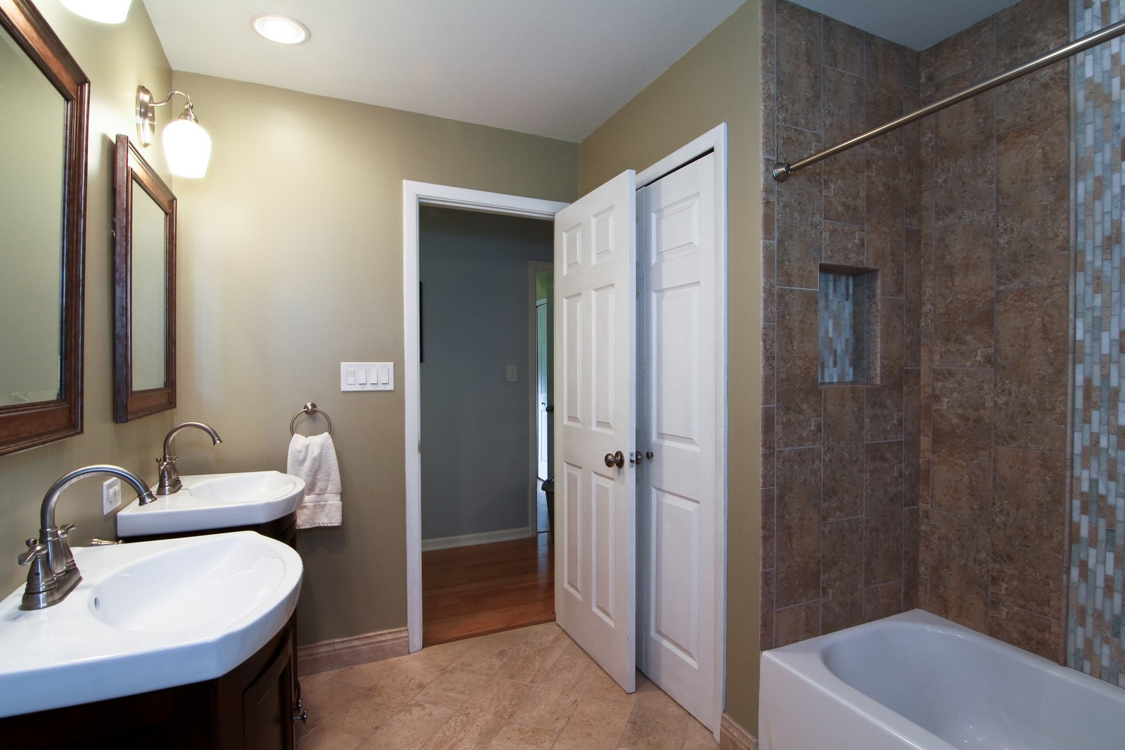Real Estate Photography - 742 Claremont Drive, Downers Grove, IL, 60516 - Bathroom