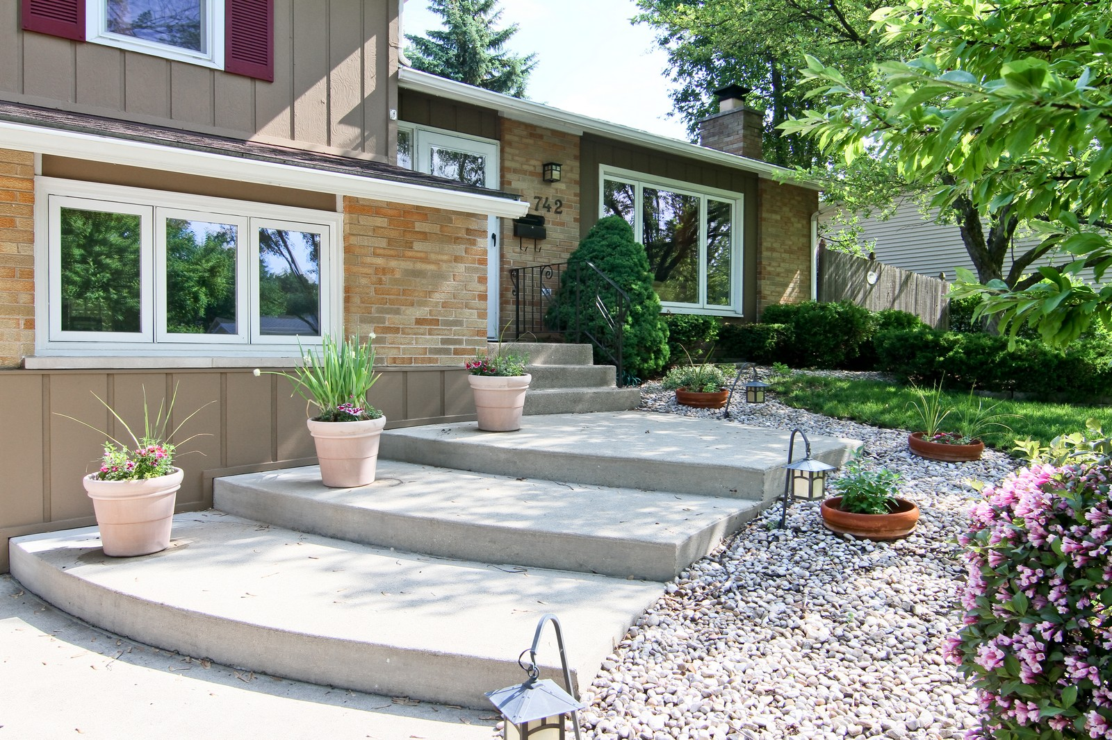 Real Estate Photography - 742 Claremont Drive, Downers Grove, IL, 60516 - Entryway