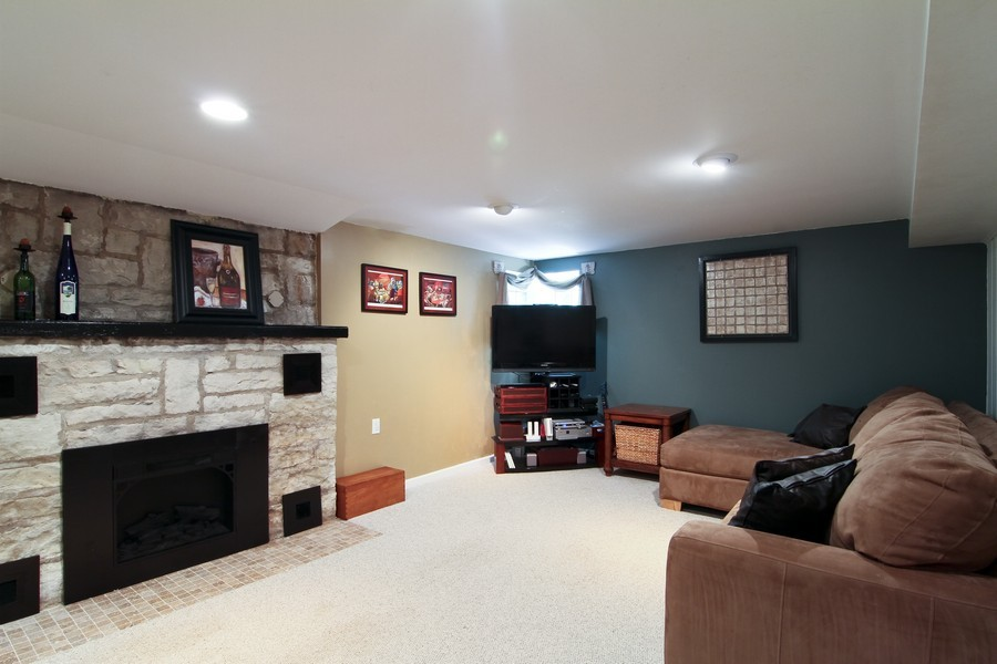 Real Estate Photography - 4733 Stonewall Avenue, Downers Grove, IL, 60515 - Lower Level