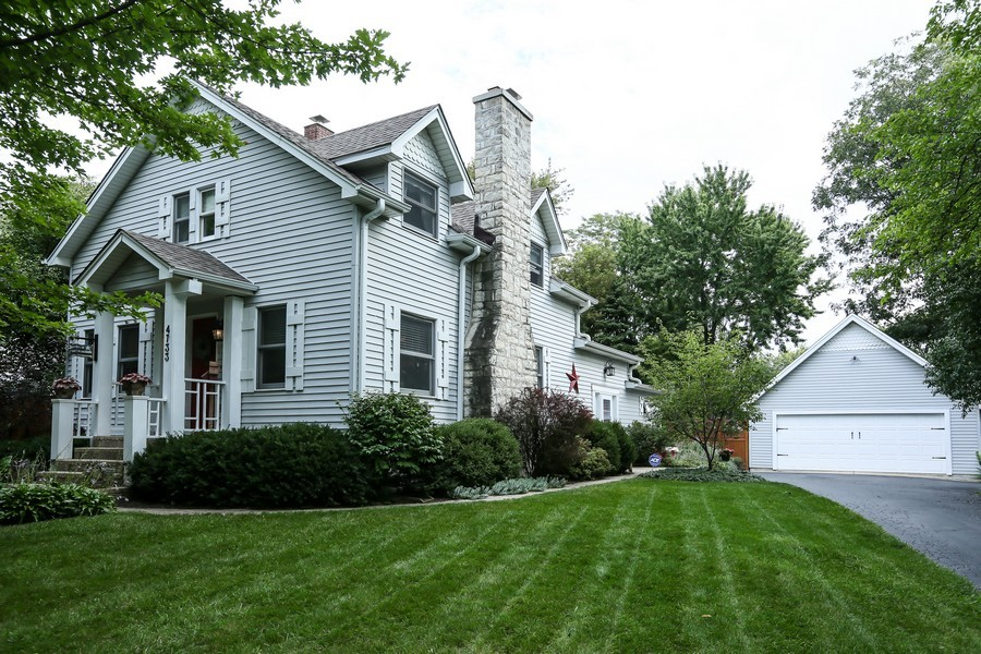 Real Estate Photography - 4733 Stonewall Avenue, Downers Grove, IL, 60515 - Front View