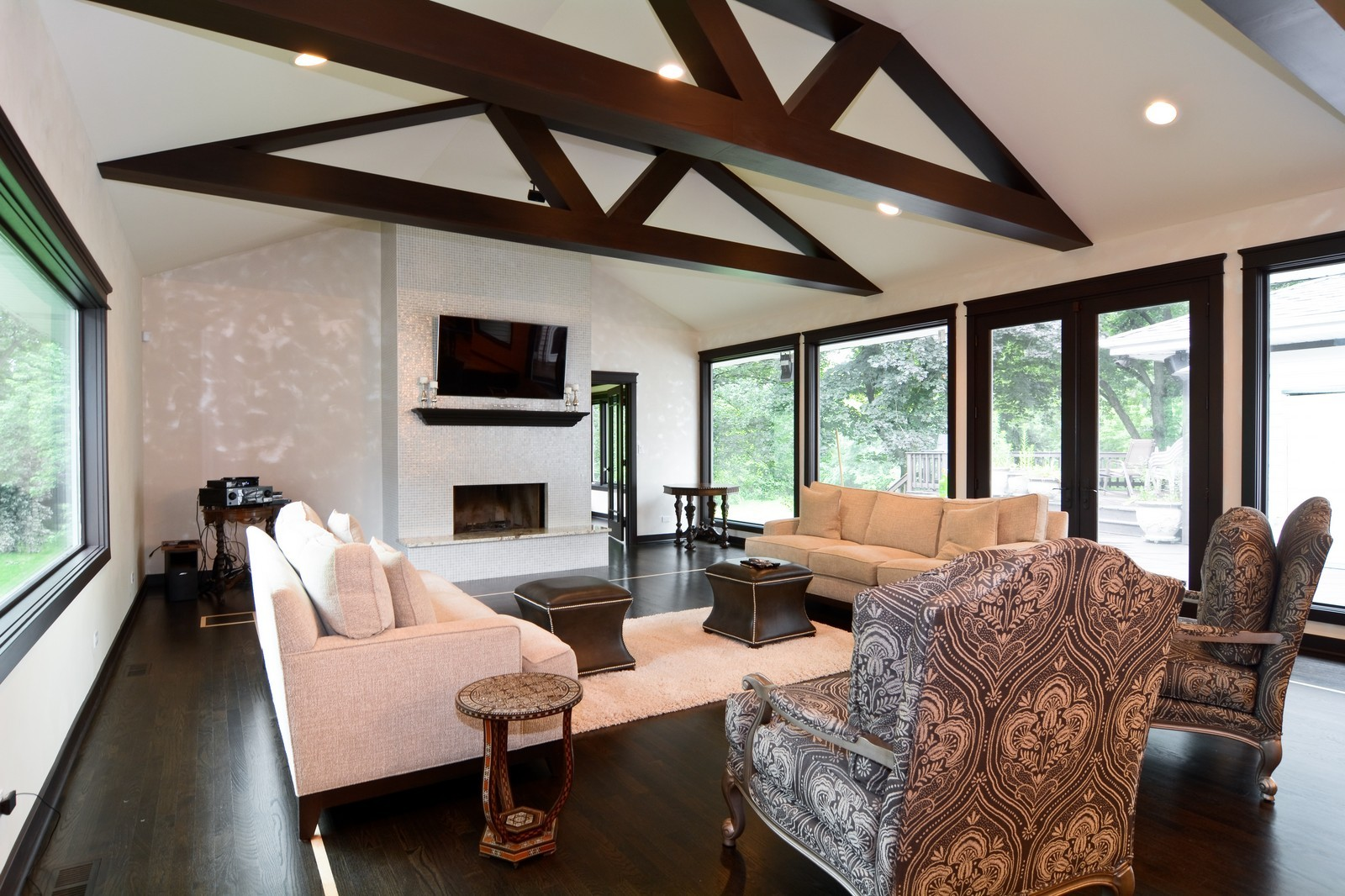 Real Estate Photography - 2S611 Arboritumn, Glen Ellyn, IL, 60137 - Family Room