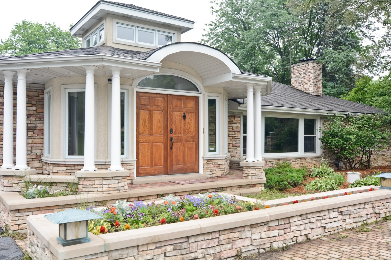 Real Estate Photography - 2S611 Arboritumn, Glen Ellyn, IL, 60137 - Entryway