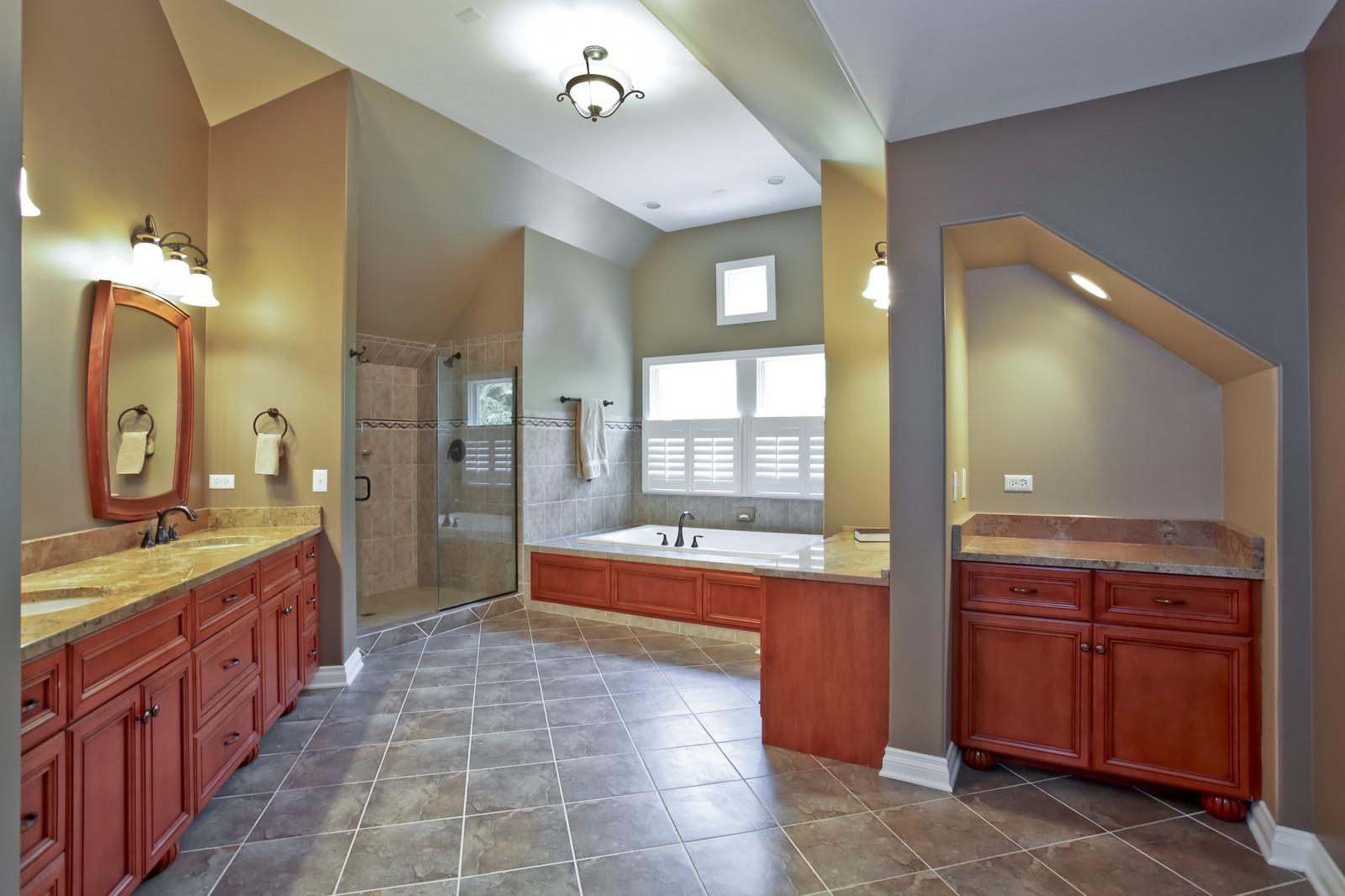 Real Estate Photography - 4740 Saratoga, Downers Grove, IL, 60515 - Master Bathroom